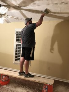 The down and dirty truth about popcorn ceilings #homerenovation #popcornceilings