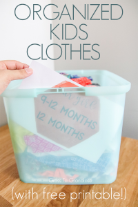Organizing kids clothes can be overwhelming when you've got a lot and aren't ready to part with them yet. Use these free printables to help you easily sort and store your child's clothes! #nurseryorganization #organizedclothes #organizedstorage #freeprintable