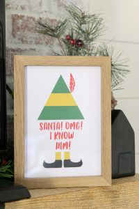 Get your own Elf printable to add to your whimsical Christmas home decor this year! #freeprintable