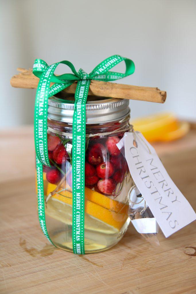 DIY Christmas Potpourri as a neighbor or teacher gift