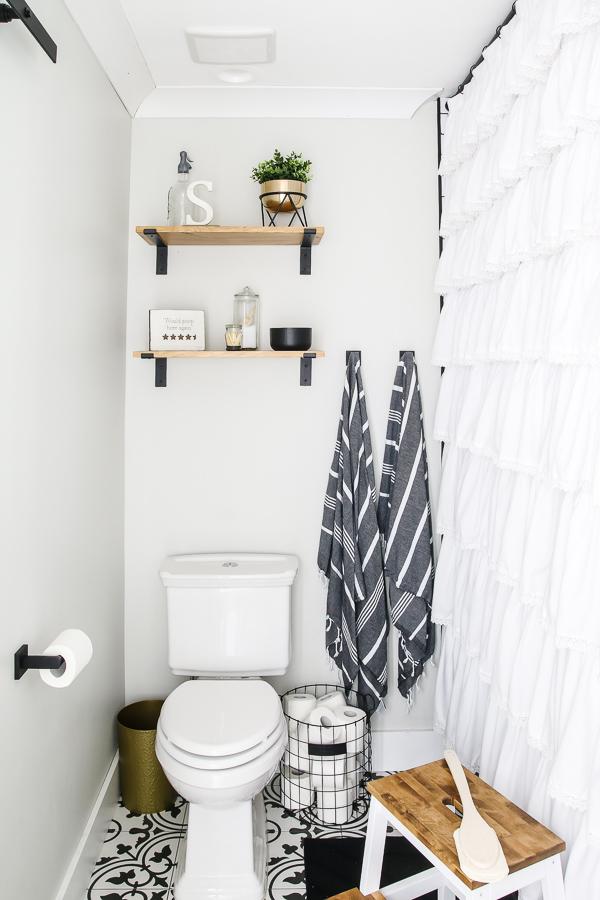 grey turkish towels | Living Letter Home #guestbathroom #beforeandafter #bathroomrenovation #budgetbathroomremodel #smallbathroom