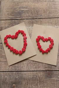 Quick and easy DIY Valentine's Day card idea for teachers or friends #astminutevalentine #valentinesday #DIYvalentine