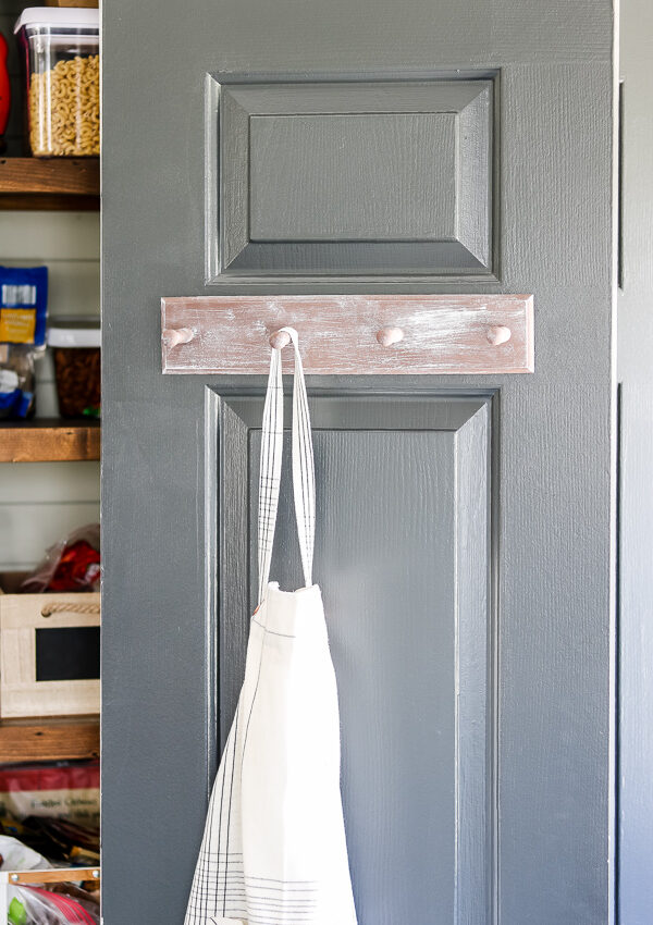 DIY Whitewashed Wood Pantry Door Hanger