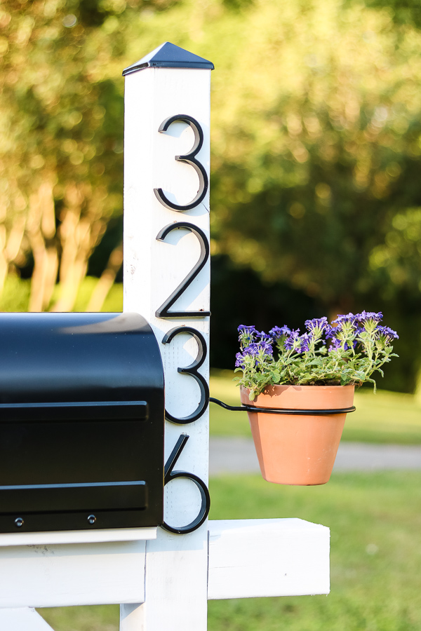 modern farmhouse numbers on mailbox makeover