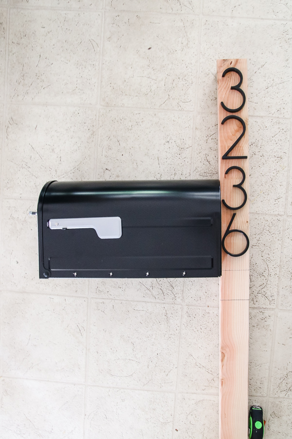 layout for DIY mailbox makeover