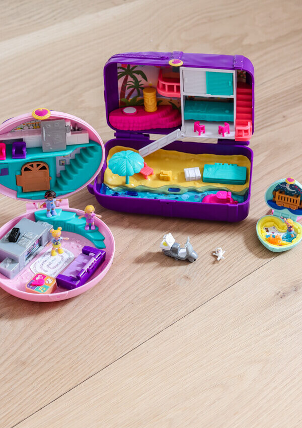 polly pocket different size compacts