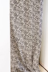 hanging fabric for wallpaper