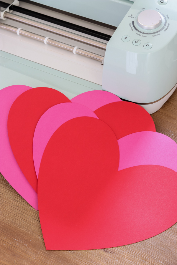 cricut explore air 2 with red and pink hearts
