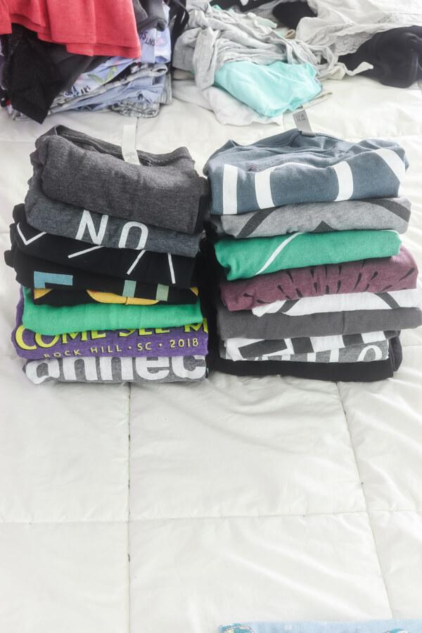 konmari folding method shirt