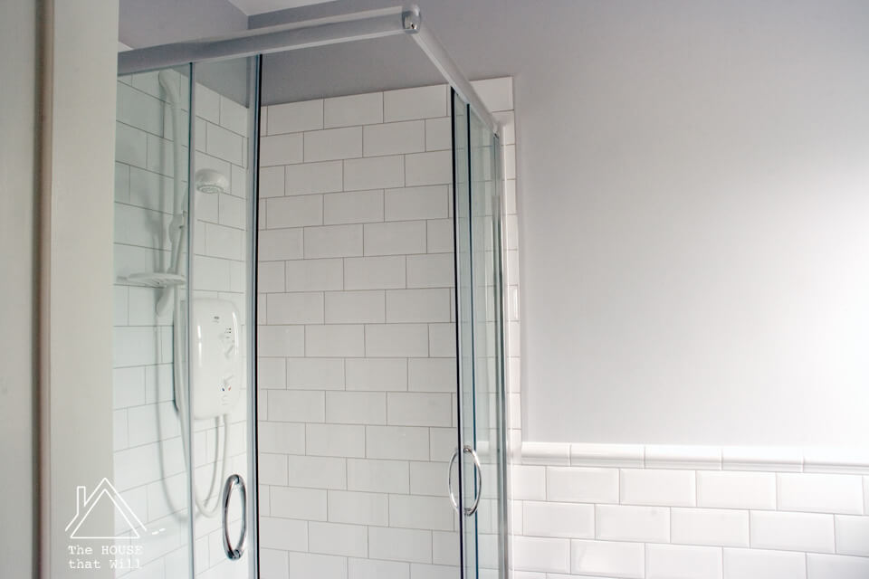 third stack tile pattern layout in bathroom