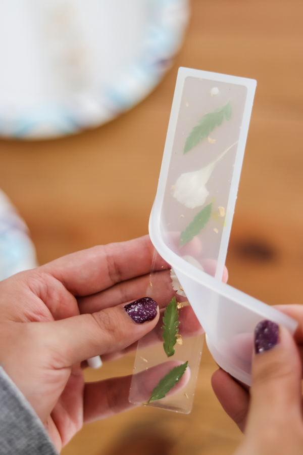 removing DIY resin bookmarks with flowers