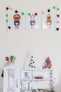 kidkraft play kitchen decorated for christmas