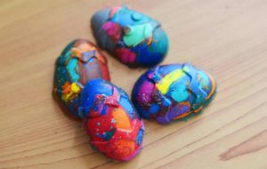 4 melted crayon easter eggs